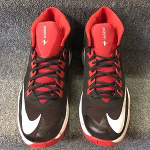 d74e44458c81 Nike Men s Zoom Devosion Basketball Shoe Black Red